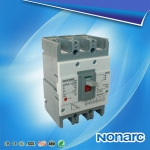 3P molded case circuit breaker10